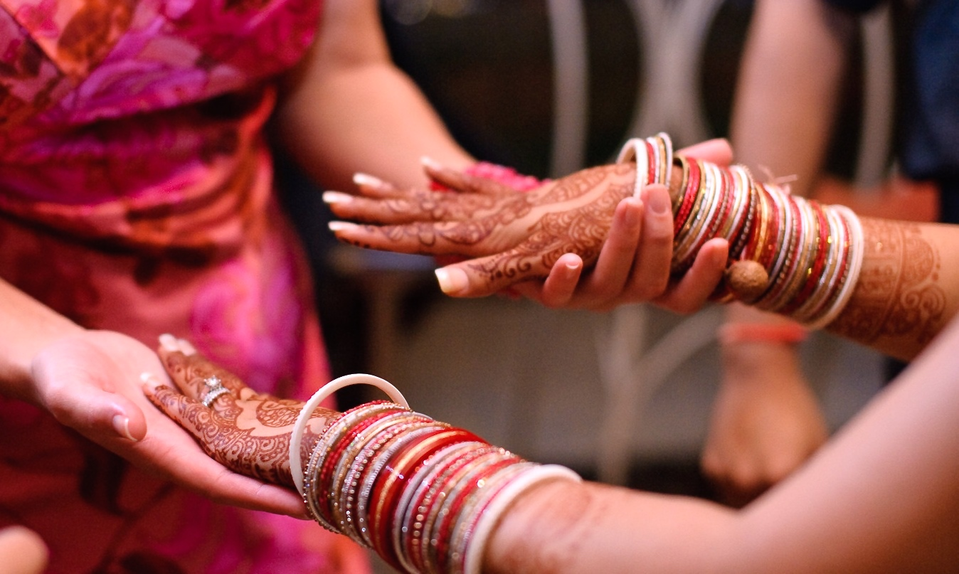 EFANI PATEL FAMILY HENNA HANDS WEDDING